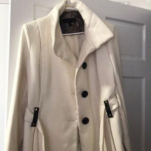 Ivory winter coat Steve Madden size XL